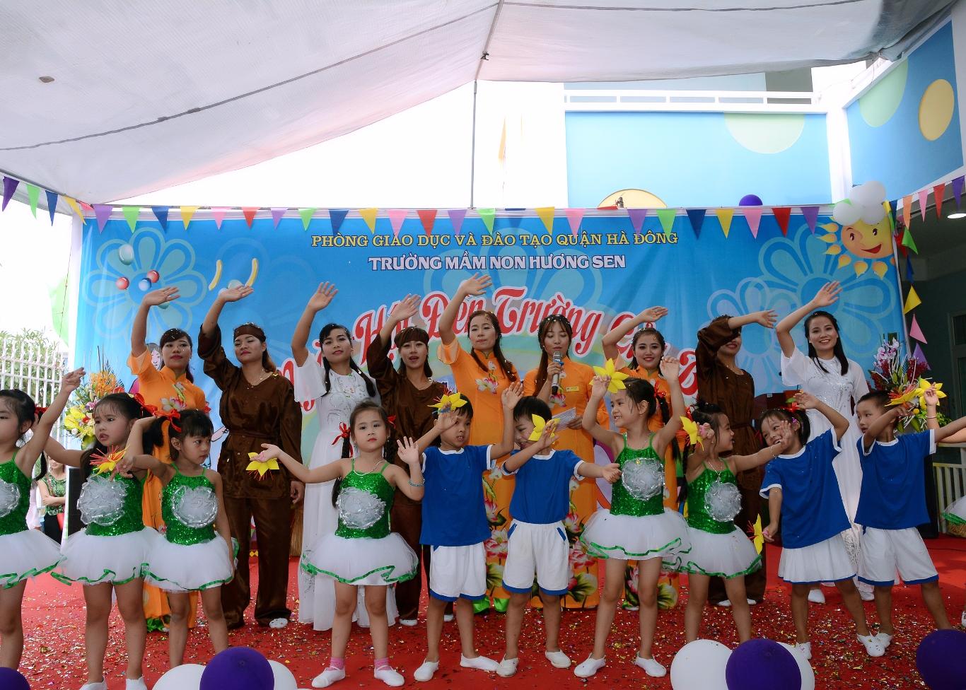 Ngày Hội đến trường của bé năm 2016